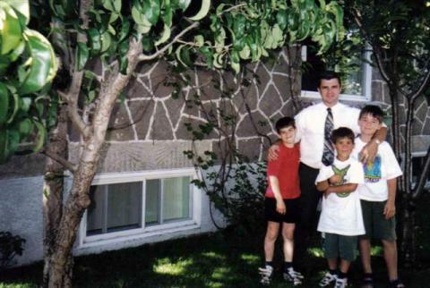 Le garçon de Jacqueline, Marco et ses deux fils Christian et Francis ainsi qu'un petit copain.