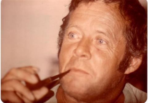 Yvon à son chalet en janvier 1975.