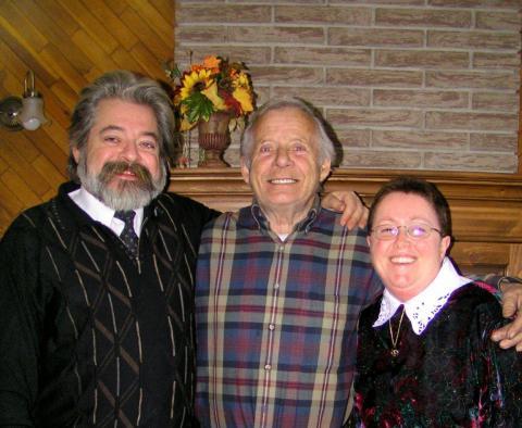 Yvon, Mario et Christiane 43 ans plus tard Noël 2004.